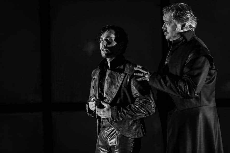 WNO Roberto Devereux - Leonardo Capalbo (Robert) & David Kempster (Duke of Nottingham) photo credit Robert Workman 011